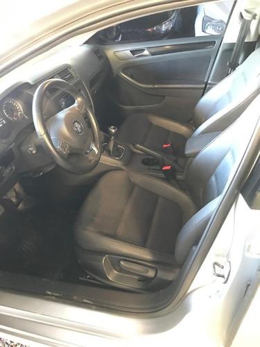 volkswagen vento 2.5 170 hp luxury l/11 2011