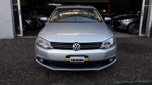 volkswagen vento 2.5 170 hp luxury l/11 2013
