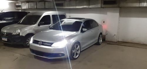volkswagen vento 2.5 170 hp luxury mt 2014