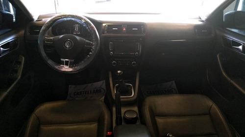 volkswagen vento 2.5 4p