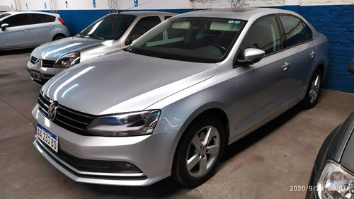 volkswagen vento 2.5 advance plus 170cv 2017