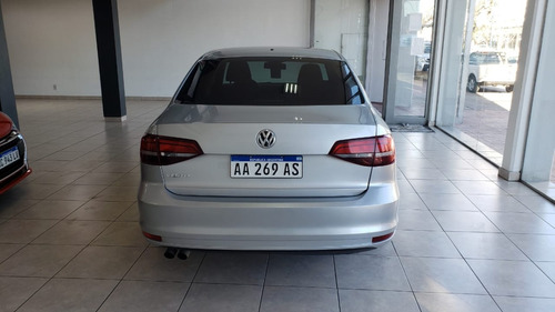 volkswagen vento 2.5 advance plus naftero manual 2016
