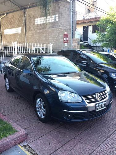 volkswagen vento 2.5 a/t 2008
