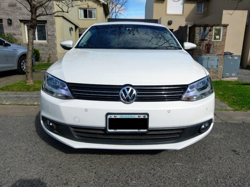volkswagen vento 2.5 luxury 170cv manual - como nuevo