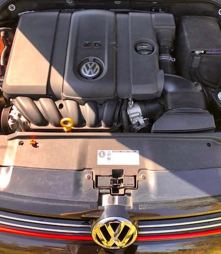 volkswagen vento 2.5 luxury. 74.000 km. mod 2013