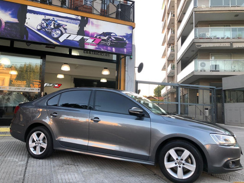 volkswagen vento 2.5 luxury automatico  2013 pro seven