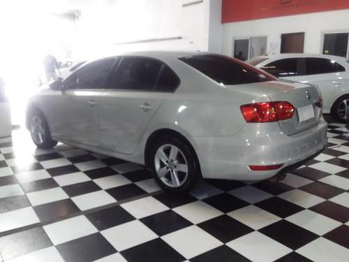 volkswagen vento 2.5 luxury dsg autom cm