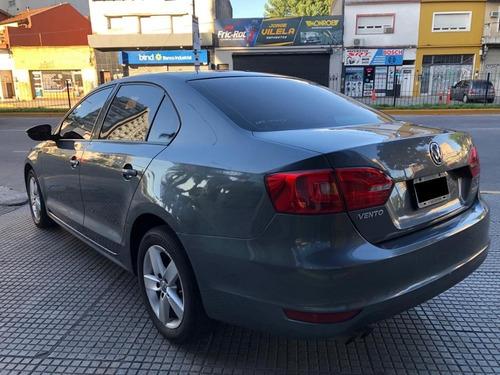 volkswagen vento 2.5 luxury manual  2013 pro seven!!