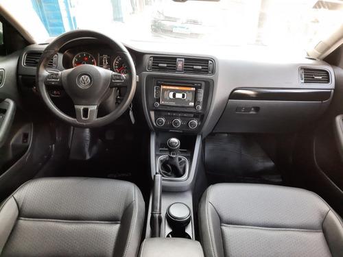 volkswagen vento 2.5 luxury manual primer dueño kms 40.000