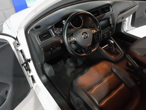 volkswagen vento  2,5 luxury tiptronic 170 cv 2015 ff