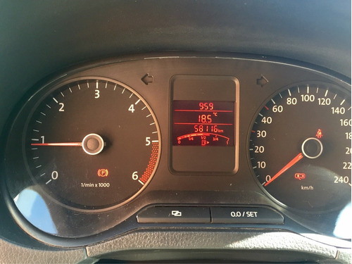 volkswagen vento 4p tdi active l4 1.6 man 2014
