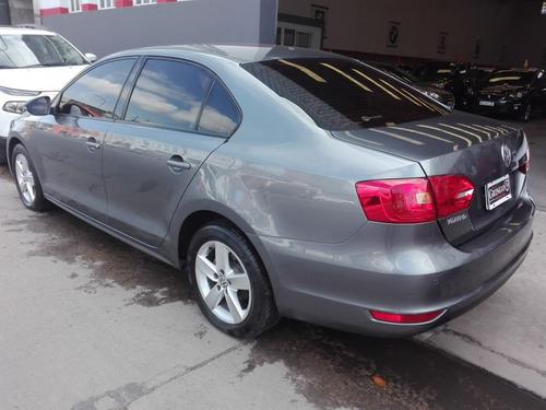 volkswagen vento // 6 airbags!! full !! verlo es comprarlo!!