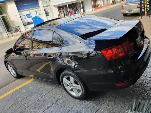 volkswagen vento luxury mt 170hp impecable   dinoautomovile