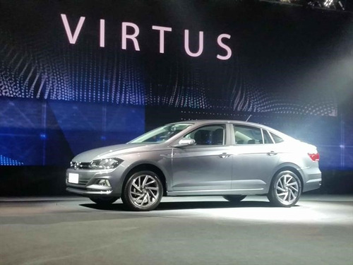 volkswagen virtus 1.6 highline manual my18 tasa 0% #at3