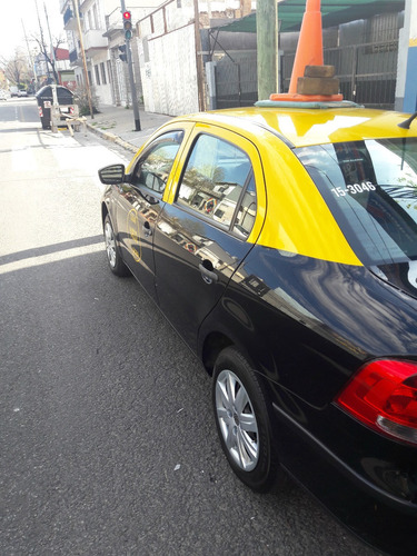 volkswagen voyage 1.6 año 2012/ taxi c/licencia
