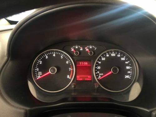 volkswagen voyage pocos km unica mano !!!