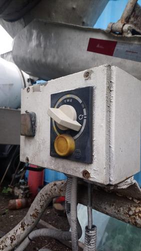 volkswagen vw 26260 betoneira ano 2008