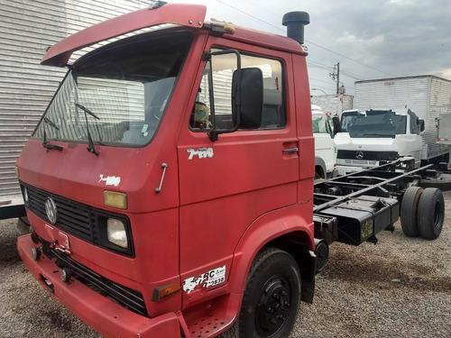 volkswagen vw 7110/89 vermelho chassi