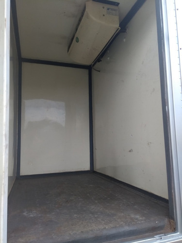 volkswagen vw 8120 ano 2010/2011 bau refrigerado /carga seca