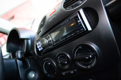 volkswagen vw new beetle advance 2.0 nafta 2009 negro