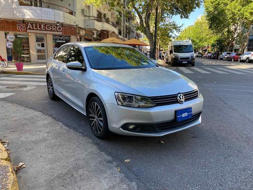 volkswagen vw vento 2.5 luxury mt 2014 autobaires
