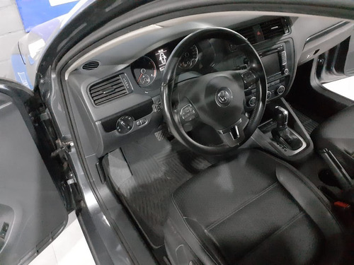 vollkswagen vento  2,5 luxury tiptronic 2013