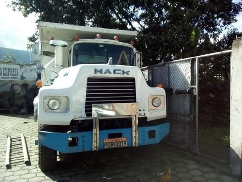 volqueta mack dm690s año 1998, telef 0993747413
