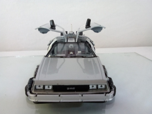 volver al futuro delorean modo volador / fly mode 1/24 welly