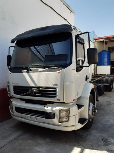 volvo 260 2011 chassis