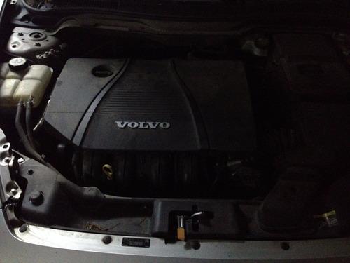 volvo c30 2.0 nafta full, excelente condición.