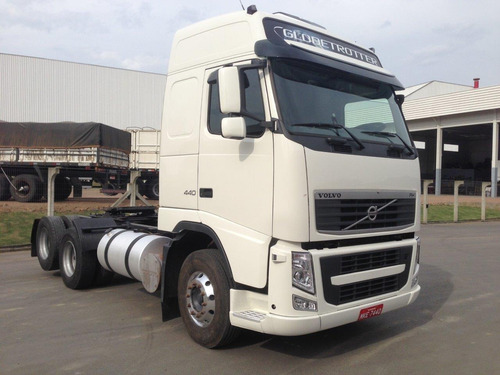 volvo fh 440 - 6x2 - 2007 - teto alto - manual