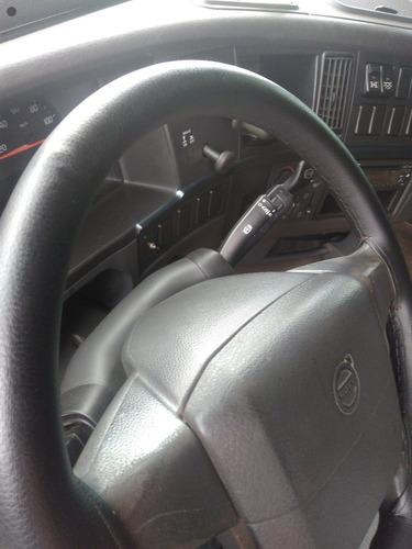 volvo  fh 520 6 x 4 ano 2011 automático