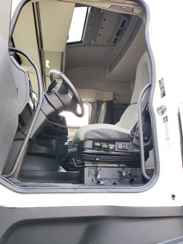 volvo fh 540 6x4 globetrotter i-shift 2016 / financiamos