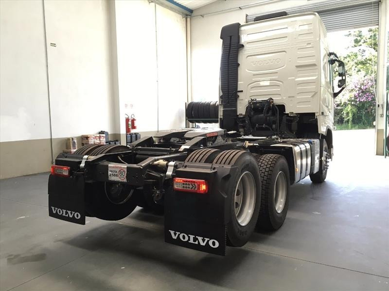 volvo fh globetrotter 460/500/540 + implemento 0km ou semi n