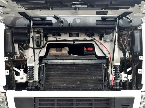 volvo fh12 480 6x4 i-shift bom de pneus