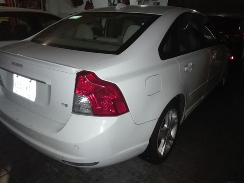 volvo s40 2.5 t5 kinetic mt 2008