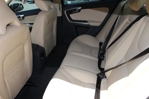 volvo s60 2017 d2 limited diesel at techo cuero facilidades