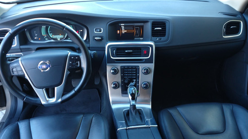 volvo s60 3.0 ambition t6 l6//t at awd
