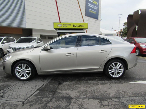 volvo s60 at 2000 t