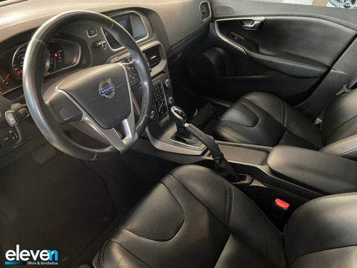 volvo v40 2.0 t4 comfort turbo