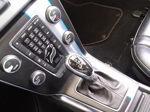 volvo v40 2.0 t5 r design turbo