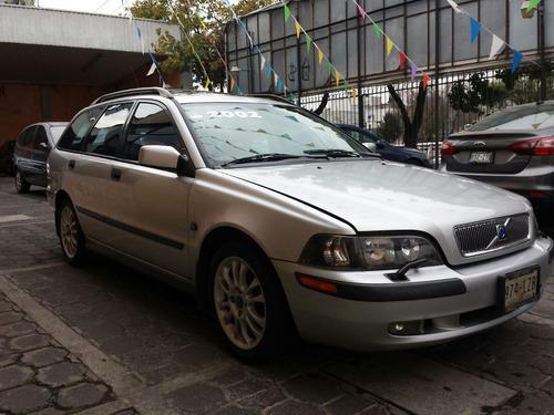 volvo v40 2002