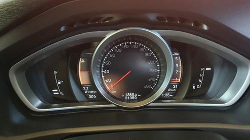 volvo v40 cross country 2.0 d2 diesel maravilloso