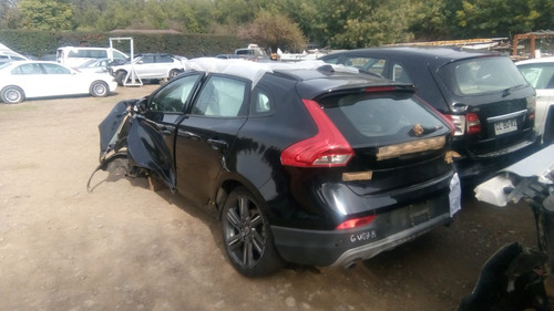 volvo v40 cross country 2013 al 2016 en desarme