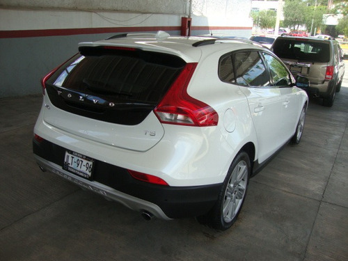 volvo v40 cross country 2.5 l 2014 at