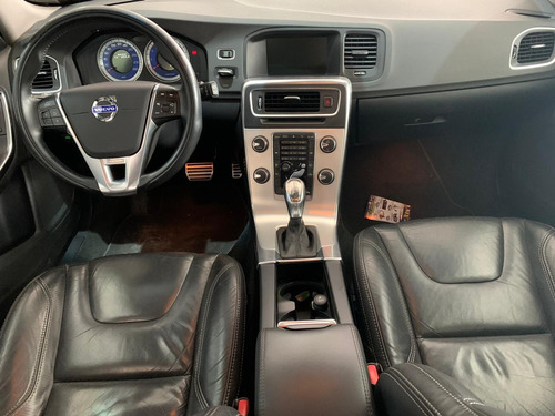 volvo v60 2.0 t5 r design dynamic 16v turbo gasolina 4p