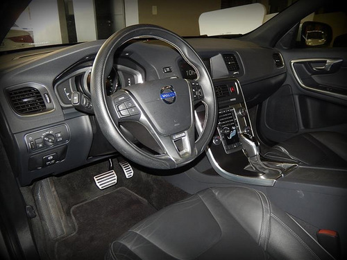 volvo v60 2.0 t5 r design dynamic 16v turbo gasolina 4p auto
