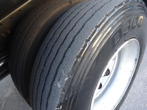 volvo vm 220, baú 9,10 mts chapeado, 6 pneus novos