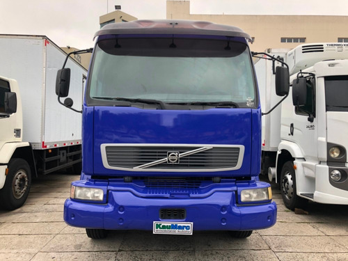 volvo vm 240 leito ano 2005 truck chassis / financia 100%