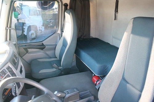 volvo vm 330 2017 no chassi = ford vw mb mercedes